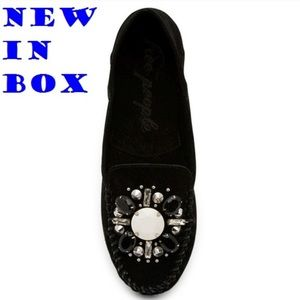 New! Gorgeous Free People Slip-on shoes